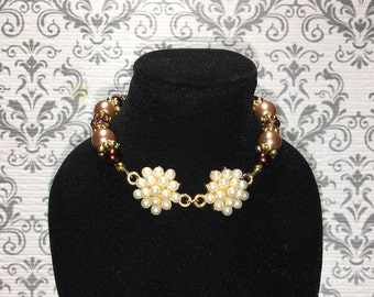 Brown double pearl cluster