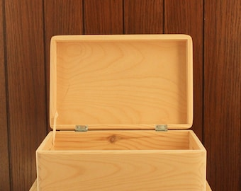Wooden box storage chest keepsake plain pine wood with or without handles 30x20x14cm