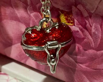 Beautiful Red and silver Locket Necklace