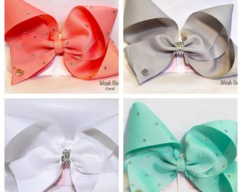 Large hair bow. Girls Fashion, similar Style To Jojo bows. Made by woah Bow - choice of colours, Coral, grey, mint, white. Customisable