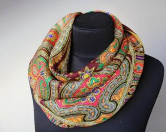 Vintage wool shawl.Pattern scarf.Pattern shawl.Christmas gifts.Head Scarf Shawl.Vintage shawl.Wedding shawl.Ukrainian scarf shawl.Shawl