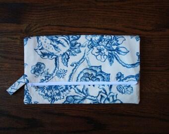 The Drop Off Bag - Vintage Blue Floral II