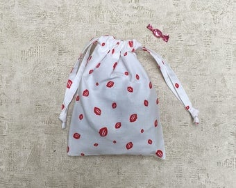 smallbag unique white printed red mouths - cotton bag