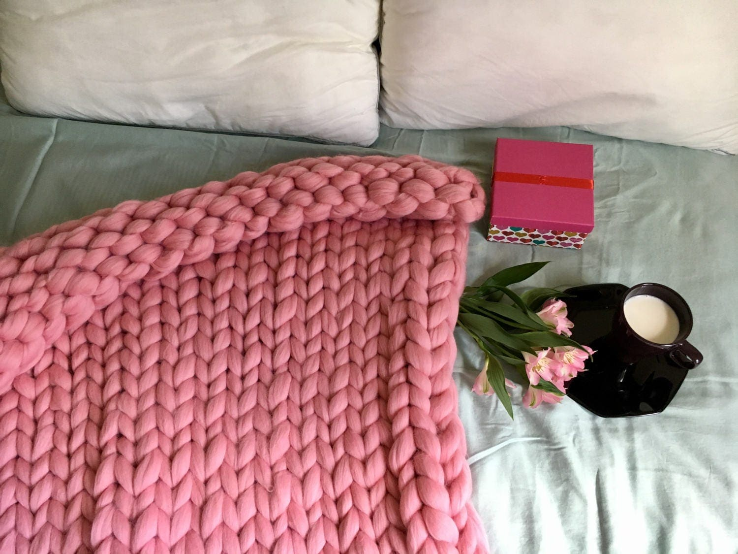 giant merino wool blanket queen size arm knit blanket weighted. Black Bedroom Furniture Sets. Home Design Ideas