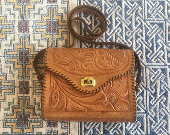 1970s Floral Woodstock Hand Tooled Leaher Purse