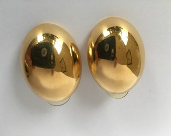 Wonderful Vintage Napier Goldtone Earrings Rounded Back Ovals