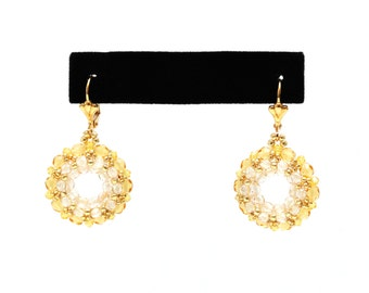 Wreath earrings in topaz