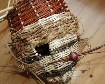 Nest box for chickadees Wicker model dragonfly