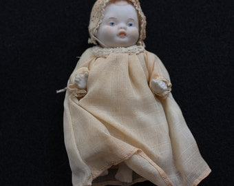 Sweet Vintage 60s Bisque Baby Doll
