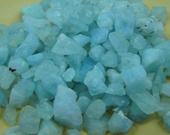 Wow Beautiful looking 900 Grams Rough Natural Midlle-Size Aquamarine