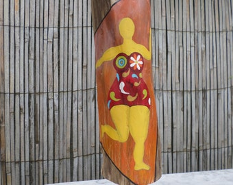 "Driftwood Totem, Totem ""Come, multicolored"" Driftwood painted. Painting of a venus she inspired. Free shipping"