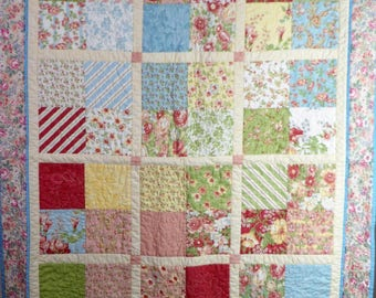 "Floral four-patch wall or baby quilt, 35""x44.5"""
