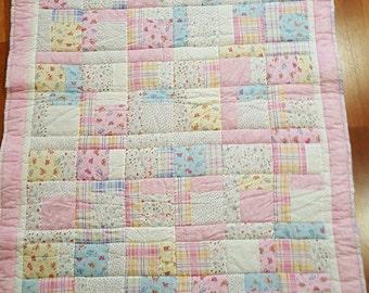 "Cot patchwork quilt 'Snuggles"""