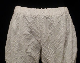 Cotton and lace pintucked bloomers
