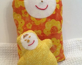 BertleberryBoutique Cultural Cuties Orange Mama and Baby Pouch Dolls