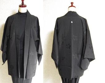 Japanese.old. kimono.free shipping.haori.coat.black.flower.kamon.