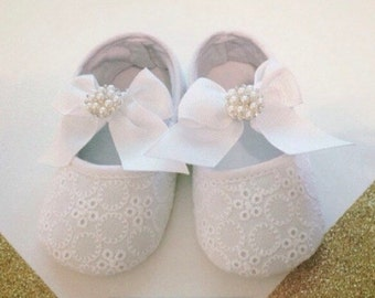 Baby Girl White Shoes, White shoes, Baby White Shoes, Baptisim Shoes, Christening Shoes, Baptisim outfit, infant shoes, infant white shoes