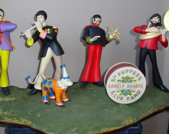 Polar Lights Beatles Yellow Submarine Model Kits Builtup.....................