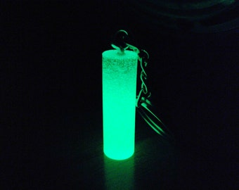 Phosphorescent cylindrical keychain