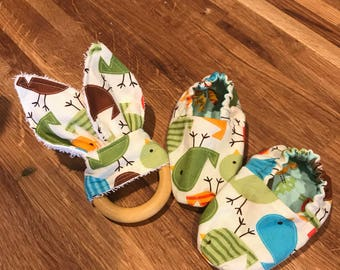 """Reversible Spring """"Put a Bird on It"""" Baby Shoes"""