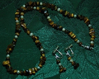 Tiger's Eye Jewelry Set, necklace, earrings (clip-on), polished chip
