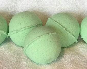 Green Eucalyptus Bath Bomb - Large