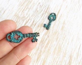 Rustic Copper Patina Skelton Key Pendant 32mm / 2pc, Greek Casting, Large Key Charms, Blue Green Patina Keys, Locket Key Jewelry (MK033)