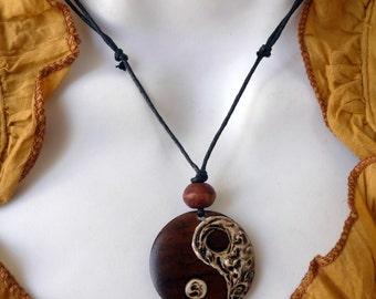 Necklace ethnic zen yin yang wooden pendant