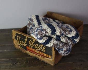 Photography Prop Set, Newborn Photo Prop, Crochet Layering Blanket, Newborn wooden crate