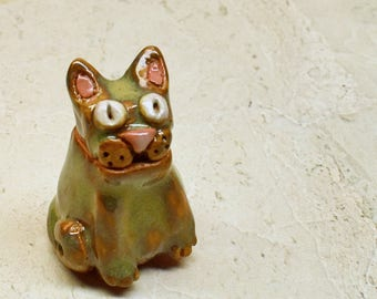 Cat shaped lidded box