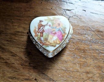 Antique porcelain box
