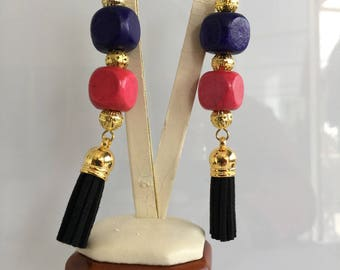 lacquered brass pendulum 46 leather earring
