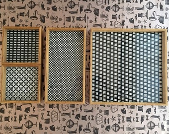 Tray set oak with black and white patterns