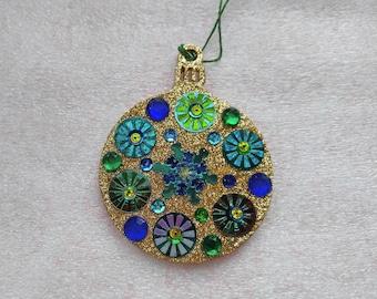 Round Ornament 11