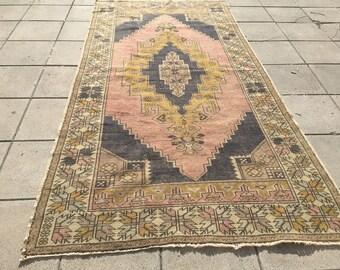 Oushak rug,Vintage Oushak rug,Turkish rug ,faded muted colored  decorative rug home of vintage rug, boho rug ,vintage 140x276/4'5x9