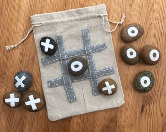 Pebble Noughts & Crosses Game (Traditional Design)