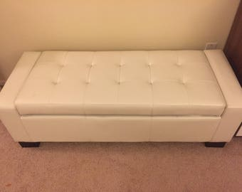 Tufted Bonded Leather Storage Bench