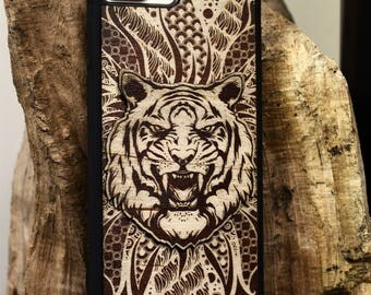 Engraved Wood iPhone 7 Case, iPhone 7 Plus, iPhone 6, iPhone 6 Plus, iPhone SE, Case 4 4S 5 5S 5C 6S Wild Tiger Spiral Cover (UK Made)