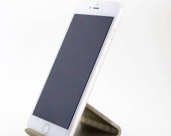 3D Printed Minimalist Desk Phone Stand