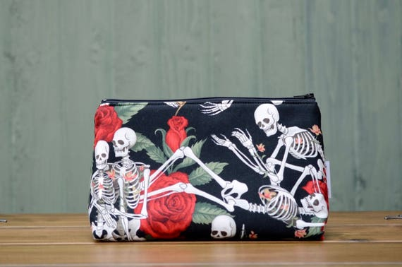 Skeletons in Love large bag