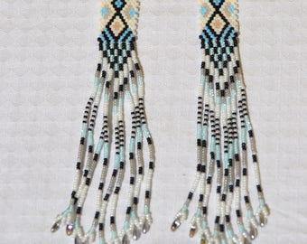 Handmade earrings with Peyote, with Miyuki beads and glass chéco.