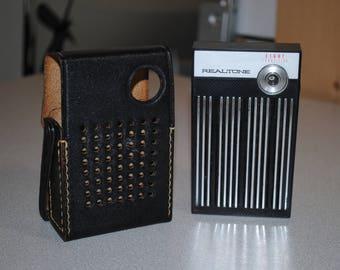 Vintage Realtone 8 Transistor Portable AM radio 1960's with original Leather case