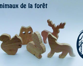 Family of 5 wooden animals of the forest (Wolf, owl, deer, squirrel and Hare)