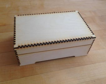 """Laser-cut 4""""x6"""" Wooden Box with Lift-Off Lid Kit"""