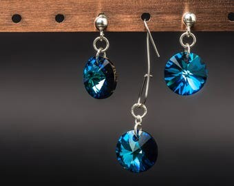 Round shaped bermda blue swarovski crystals and 925 sterling silver earrings and pendant jewelry set