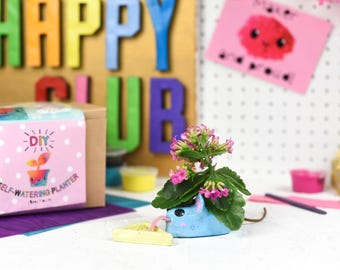 DIY Self-Watering Planter (Mouse) DIY kit - favours, craft kit -craft supplies - clay making supplies- stocking stuffer - home decor - plant