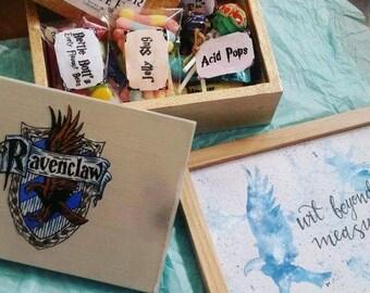 Harry Potter Magical Treat Box & House Emblem Print Gift Set