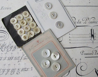 Vintage Victorian And Later Carded 19 Mother Of Pearl Sea Shell Nacre Buttons Group G