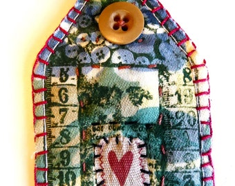 Fabric Scrappy House Brooch - Heart House