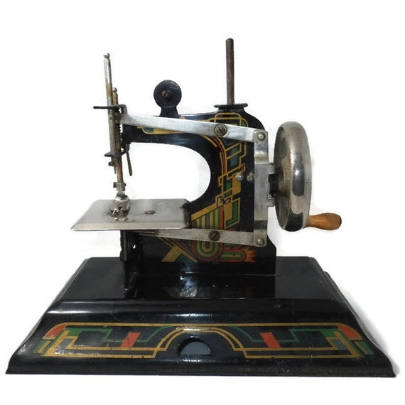 Vintage toy sewing machine casige 116 made in west germany for Machine a coudre king jouet